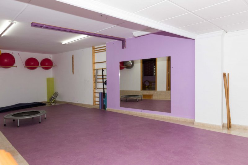 clínica ROSES.